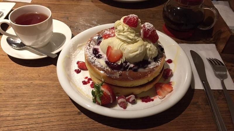 いちごベリーパンケーキ